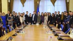 Члени комісії Генеральної прокуратури України з переможцями конкурсу творчих робіт